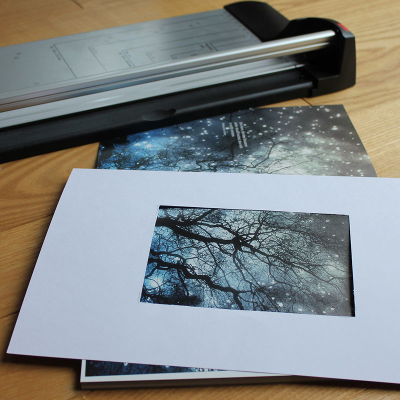 Karten-Recycling: Passepartout für den passenden Ausschnitt