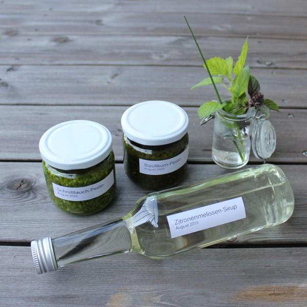 Basilikum-Pesto, Schnittlauch-Pesto, Zitronenmelissen-Sirup mit Rezepten