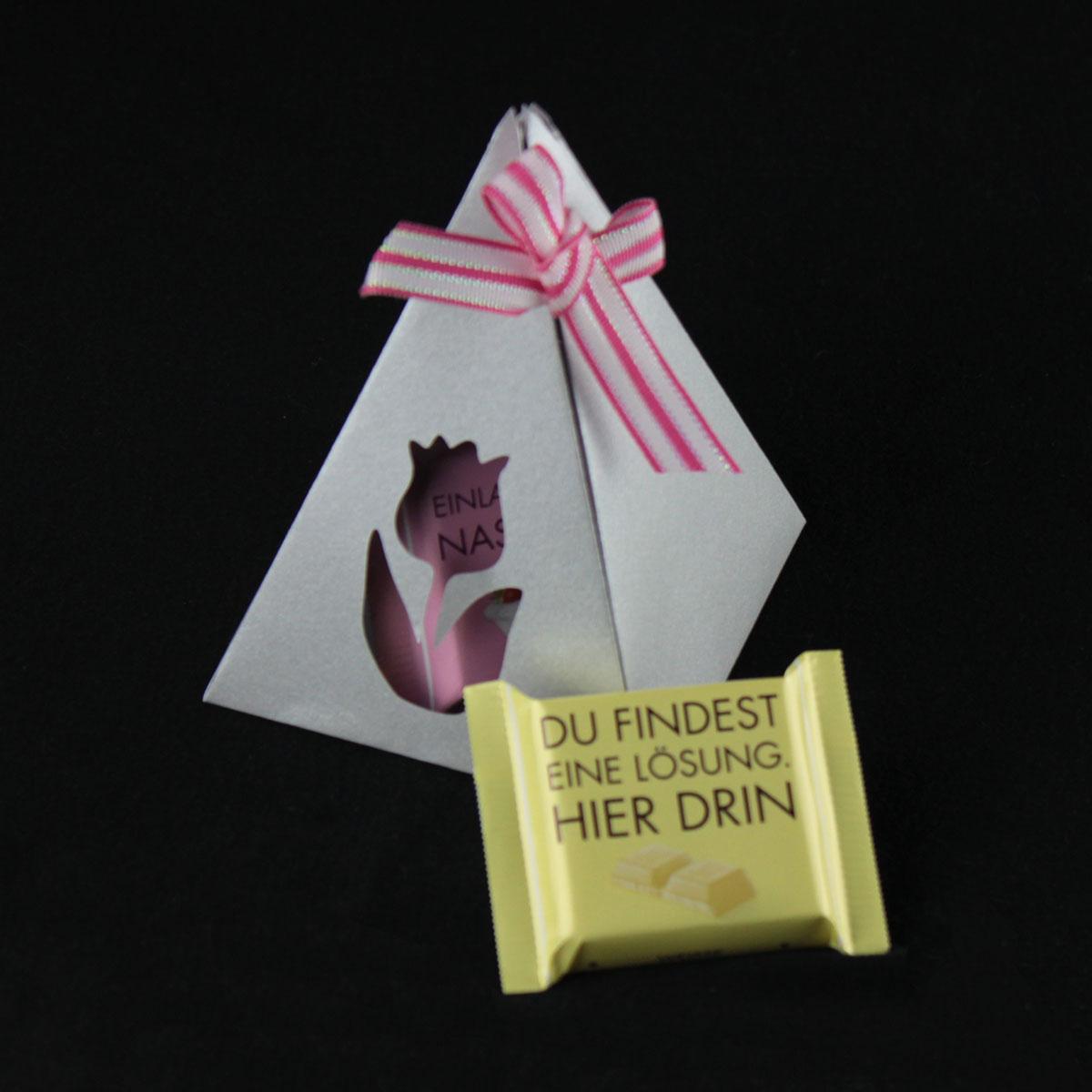 Plotterfreebie: Pyramiden-Geschenkverpackung basteln