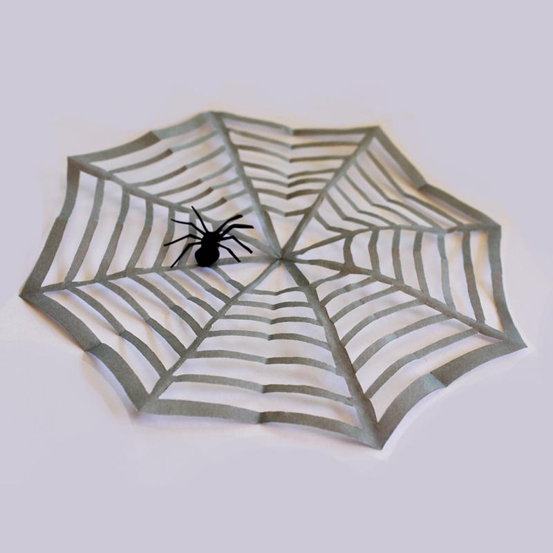 Halloween Spinnennetz aus Papier