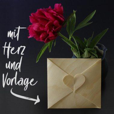 Bastelvorlage für Briefumschlag mit Herz