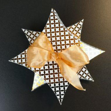 Geschenkverpackung Pillow-Box in Sternform