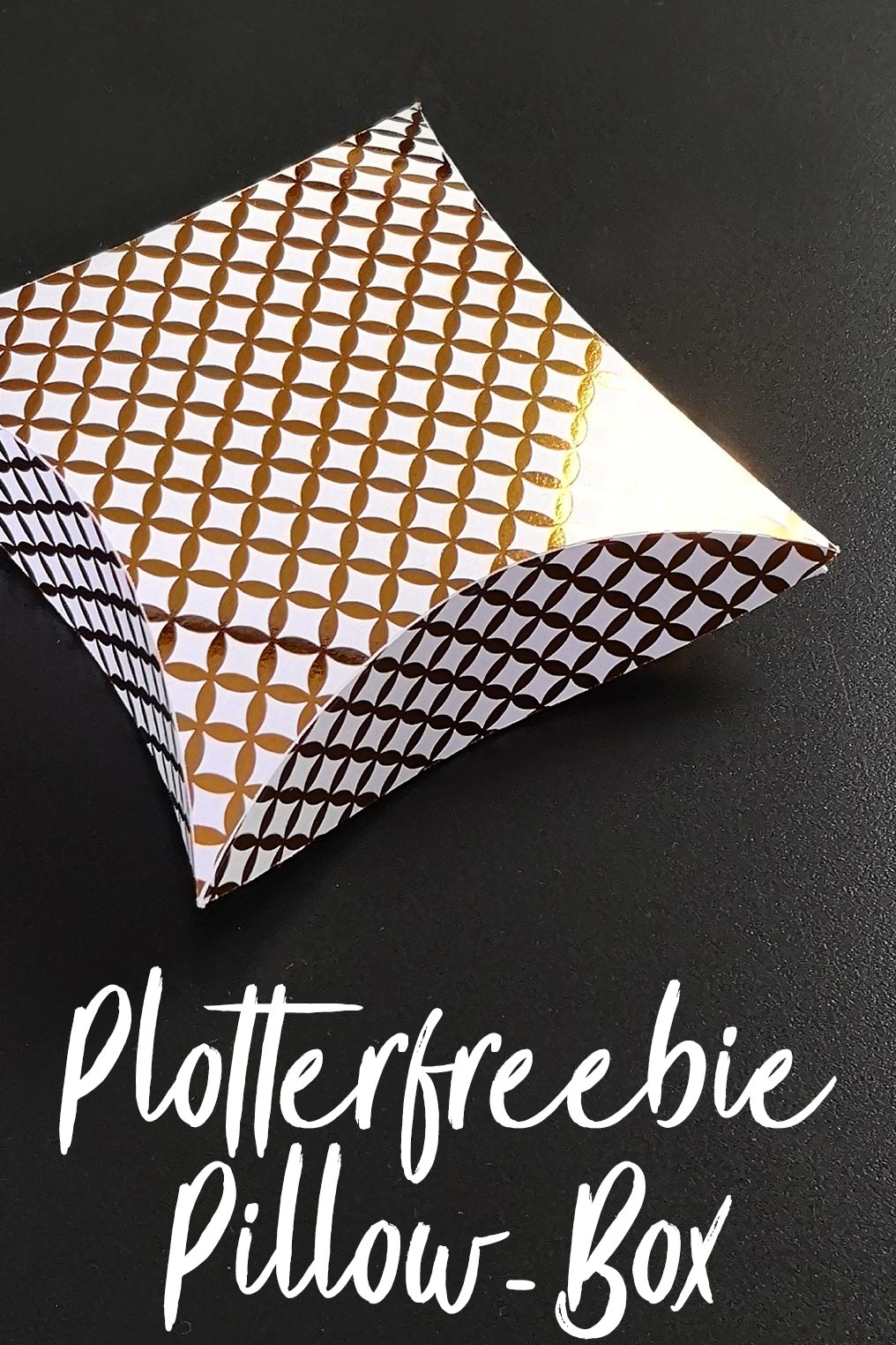 Pillow-Box quadratisch - Plotterfreebie SVG und DXF