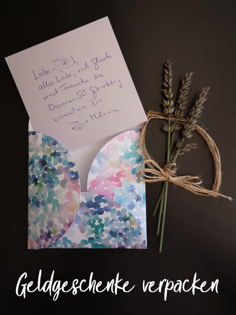 Kuvert für Geldgeschenk basteln - Plotterfreebie & Bastelvorlage
