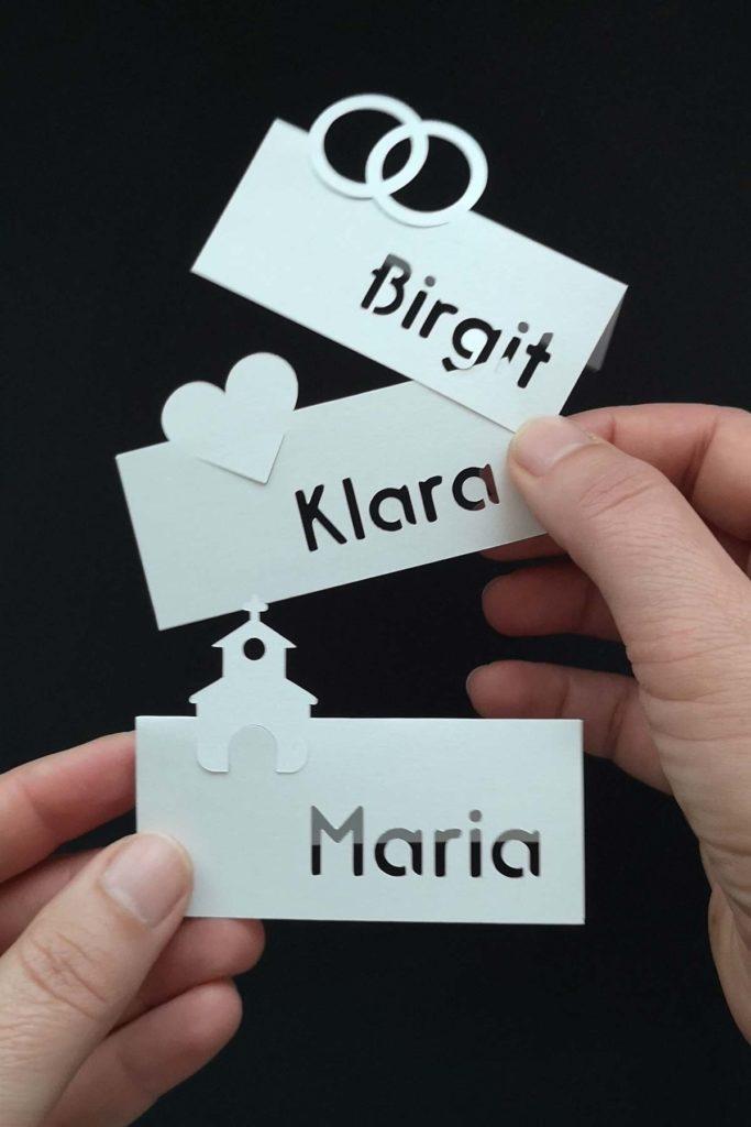 Plotterfreebie-Hochzeits-Tischkarten-Namenskaertchen