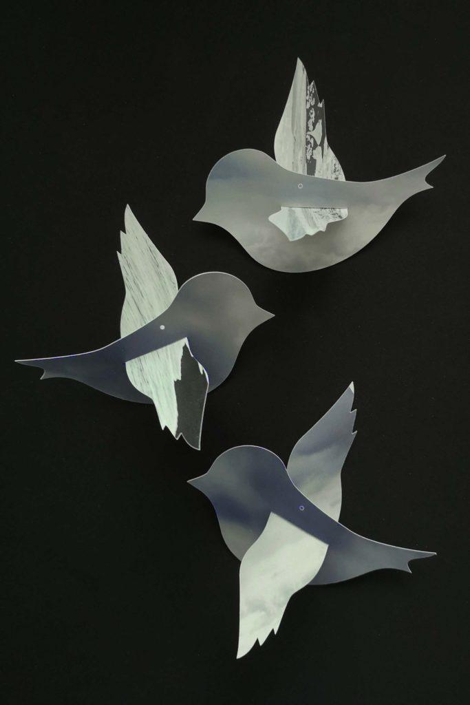 Plotterfreebie & Bastelvorlage: Vögelchen als Fensterdeko aus Kalenderblättern geplottet